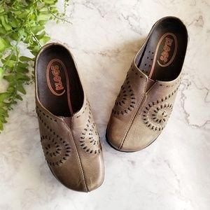 Klogs | Taupe Leather Embroidered Swirl Clogs
